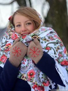 Rodnovery Knit Gloves