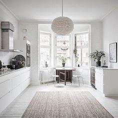 A beautiful specious kitchen via @alvhem Vita Eos lamp shade available online at @istome_store ✨ . #kitchen #kitchendecor #nordichome #nordicinspiration