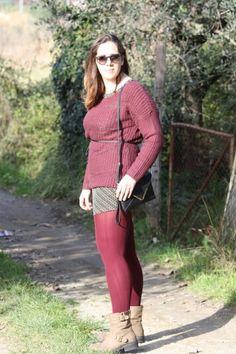 Burgundy Total look #angieclausblog #newpost #newoutfit #fashion #fashionblogger #streetstyle #sweater #tezenis #burgundy #bordeaux #italianfashionblogger #calzedonia #collant #Rayban http://angieclausblog.com/2015/01/14/burgundy-total-look/