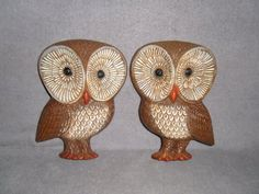 PAIR of Vintage 1950's Mid Century Retro Syroco Wood Owl Wall Hangings...i can see these painted all white...hmm