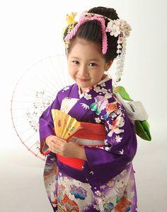 七五三12872 Kimono Fabric, Kimono Dress, Japanese Kids, Hair Setting, Rite Of Passage, Young Ones, Japanese Outfits, Yukata, Japanese Kimono
