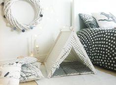 Tipi de perro gris ropa de cama tamaño estándar por DogAndTeepee