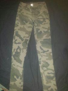 Cargo Print Skinny Jeans size 6