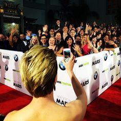 Tina Majorino taking photo of the fans :)