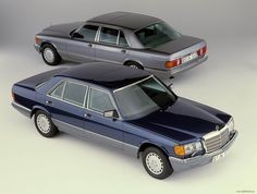 Mercedes Benz W126. My favourite one is the light blue one in the background :-)