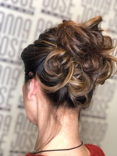 Acconciatura Hair Updo, Updos, Anna, Fashion, Hair Dos, La Mode, Updo, Up Hairstyles, Party Hairstyle