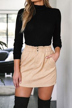 Wearing all beige is really trend this season. That's why I want to show you some beige outfit ideas, so you can get inspired from them. Look Fashion, Teen Fashion, Autumn Fashion, Fashion Outfits, Fashion 2018, Womens Fashion, Fashion Ideas, Fashion Trends, Unique Fashion
