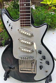 VINTAGE 1967 FRAMUS SUPER STRATO GUITAR W/CUSTOM PAINT