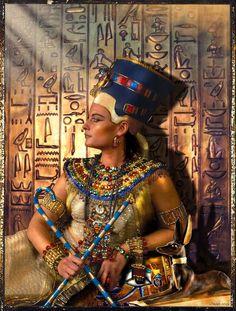 Nefertiti,the Queen ( Chtuluh 2015 ) by on DeviantArt Egyptian Beauty, Egyptian Queen, Egyptian Art, Egyptian Jewelry, Egyptian Mythology, Egyptian Goddess, Ancient Egyptian Costume, Ancient Egypt History, Ancient Aliens