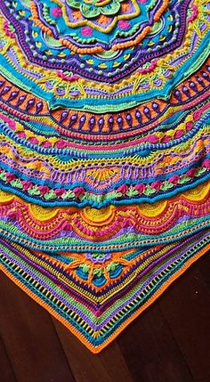 Ravelry is a community site, an organizational tool, and a yarn & pattern database for knitters and crocheters. Hexagon Crochet Pattern, Crochet Doily Rug, Freeform Crochet, Crochet Art, Tapestry Crochet, Crochet Blanket Patterns, Cute Crochet, Crochet Mandela, Crochet Instructions