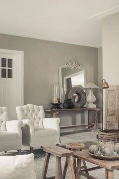 Grey living space ~ lovingly pinned by www. Style Cottage, Living Comedor, Home And Deco, French Decor, Grey Walls, Interior Design Living Room, Home And Living, Decorating Your Home, Home Fashion