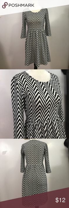 Speechless Geometric Patterned Slip On Dress-S-NWT Adorable & brand new easy to wear dress with 3/4 sleeves!💜 Speechless Dresses Mini