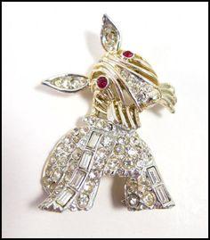 Vintage Weiss Scottie Dog Pin