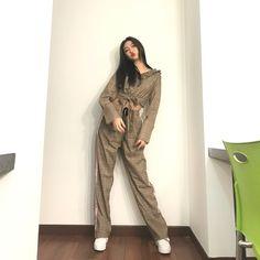 이제시작..😵#한림예고 #패션모델과 #전신 Grunge Fashion, 90s Fashion, Daily Fashion, Girl Fashion, Fashion Outfits, Womens Fashion, Korean Street Fashion, Korea Fashion, Asian Fashion