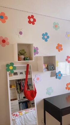 Indie Bedroom, Indie Room Decor, Cute Room Decor, Aesthetic Room Decor, Room Design Bedroom, Room Ideas Bedroom, Diy Bedroom Decor, Chambre Indie, Study Room Decor