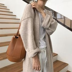 The latest fashion trends & style advice. See the best designer & high-street shopping catwalk fashion red carpet & celebrity style options for you. Look Fashion, Street Fashion, Korean Fashion, Fashion Outfits, Womens Fashion, Fashion Tips, 90s Fashion, Catwalk Fashion, Modest Fashion