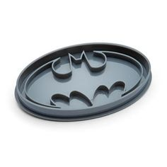 ThinkGeek :: Batman Cookie Cutter... Who wants to exfoliate by getting the Dark Knight to help?! Eh, eh, ehh?! XD LOL