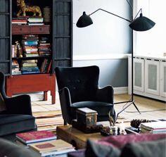 Marianne Brandi and Keld Mikkelsen / Emma Persson Lagerberg / Petra Bindel via Elle Interior {eclectic living room} Interior Architecture, Interior And Exterior, Interior Styling, Interior Design, Oui Oui, Home Lighting, Task Lighting, Lighting Design, Elle Decor