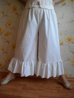 lagenlook ruffle pant bloomers, wide leg loose fitting pant knickers, white linen pants made to oder Ruffle Pants, Cotton Pants, Linen Pants, Sharara Designs, Pants Pattern, Couture, Stylish Dresses, Fashion Pants, Wide Leg