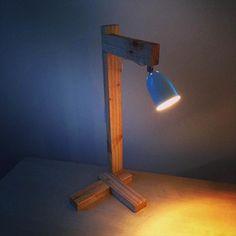 DIY Pallet Lamp - 4 Creative Ideas for Pallets | 99 Pallets