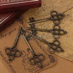 5PCS Bronze Tone Antique Vintage Style Large Key Charms Pendant Metal Crafts
