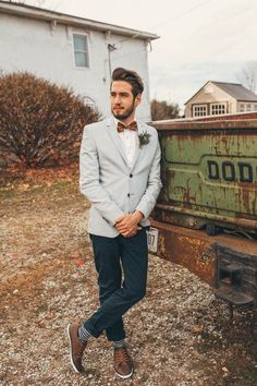 Alternative groom style | Image by The Portos