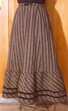 Underskirt for the Hadeland dress, possibly from the or before the dress was made. Folk Costume, Costumes, Border Print, Folklore, Stripes, Skirts, Inspiration, Clothes, Dresses