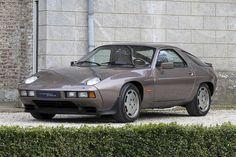 Porsche 928S (1983))