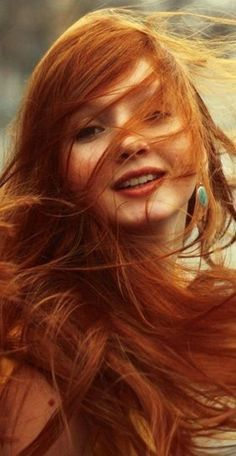 Red hair ideas ( Girls ) – red hair girls and idras for famous girl Beautiful Red Hair, Gorgeous Redhead, Beautiful Women, Fire Hair, Redheads Freckles, Red Hair Woman, Girls With Red Hair, Hair Girls, Girls Eyes