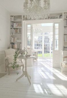 Bohemian Chic Home Decor Ideas Shabby Chic Interior Design Pictures Provincial Decor, Chic Living Room, Home, White Decor, House Styles, House Interior, Chic Bedroom, White Rooms, French Provincial Decor