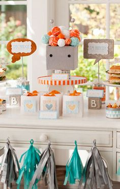 Throw the cutest robot themed baby shower - free printables! http://rstyle.me/n/wg6sznyg6