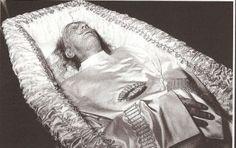 11 MAI 1904 : a Star is born - Dali-Visions