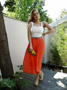 Elasticated Waistband Accordion Detail Longline Skirt