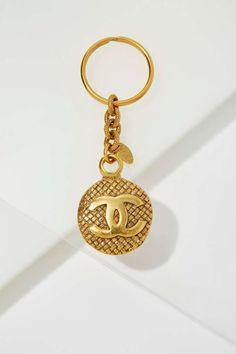 Vintage Chanel Medallion Key Ring  44423d6040