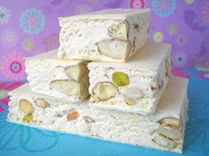 The soft Nougat. THE recipe to keep preciously for gourmet gifts! French Desserts, No Cook Desserts, Delicious Desserts, Dessert Recipes, Yummy Food, Ice Cream Candy, Thermomix Desserts, Margarita, Fudge