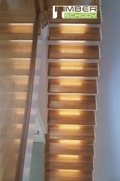 Schody na beton dębowe z balustradą szklaną nad stopniami i oświetleniem LED w stopniach. schody#schodydrewniane#schodydebowe#schodyNaBeton#oswietlenieschodow#dom#wnetrze#design#timberschody Stairways, Blinds, Curtains, Led, Home Decor, Design, Stairs, Staircases, Decoration Home
