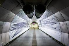 Wien: Die Ästhetik der U-Bahn - Reiseblog von Christian Öser U Bahn, Street Photography, Street View, Instagram Posts, Artwork, Forget, Tv, Central Station, Architecture