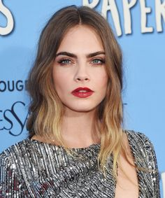 Cara Delevingne's Gorgeous Beauty Look from the Paper Towns Premiere: All the Details Cara Delevingne Hair, Morning Makeup, Dark Blonde, Tan Skin, Celebrity Hairstyles, Ombre Hair, Fashion Beauty, Fashion Models, Wedding Hairstyles