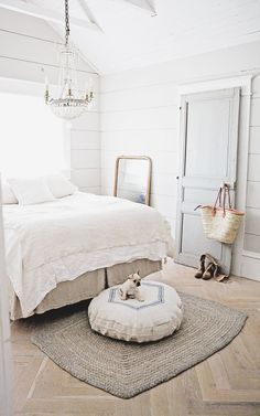 Best Bedroom Decor Ideas With Farmhouse Style White Bedroom Decor Farmhouse Style Shab Chic Bedding Home Mebel regarding Best Bedroom Decor Ideas With Farmhouse Style Modern French Country, French Country House, French Country Decorating, French Decor, White Bedroom Decor, Living Room Decor Country, Chic Bedding, Grain Sack, Dog Bed