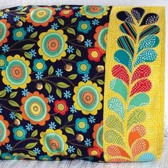 Michael Miller Fabrics Fabric Used: Stitch Floral Download the free feather applique pattern here: http://www.allpeoplequilt.com/millionpillowcases/freepatterns/Pillowcase-37.pdf