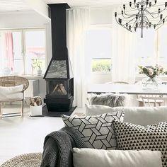 Godmorgon ➰ I eftermiddag ska vi träffa @nordsjoumea och planera för färgsättningen i nya huset...så spännande! 👏🏻👏🏻👏🏻 Ha en fin torsdag! ♡ ✧✧✧✧✧✧✧✧✧✧✧✧✧✧✧✧✧✧✧✧✧✧✧✧✧✧✧✧✧ Good morning! ➰ Wish you all a happy Thursday! ♡ • #kitchen #vardagsrum #livingroom #openspace #interiordesign #interior9508 #rom123 #interior123 #interior #homedecor #scandinavianinterior #kajastef #ilovemyinterior #interiorstyling #inspiremeinterior #mykindoflike #mynordicroom #mrscarlissa #interiormagasinet…