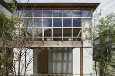 Image 1 of 22 from gallery of Module Grid House / Tetsuo Yamaji Architects. Photograph by Kenta Hasegawa