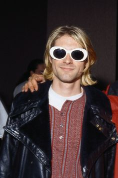 Kurt Cobain and Layne Staley.(They cut him out).