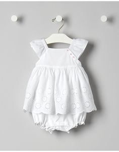 Janie and Jack offers classic children's clothing rich in fabric, design and detail for layette up to 8. Shop now for newborns, baby, toddlers and children up to size 8.