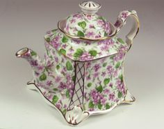 """Duchess 4 cup Teapot """"Wild Violet"""" ~ My two favorite colors:)"""