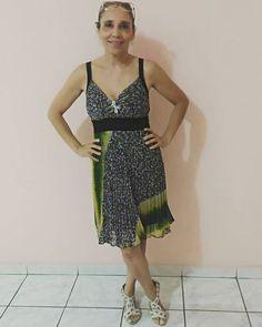 Aquele vestido levinho mas cheio de estilo. Porque hoje o look do dia é da minha mãe