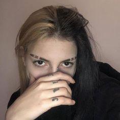 Dye My Hair, New Hair, Hair Inspo, Hair Inspiration, Eyebrow Slits, Lila Baby, Short Grunge Hair, Split Dyed Hair, Aesthetic Hair