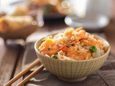 Shrimp Fried Rice Recipe via Hcg Diet Recipes, Healthy Eating Recipes, Rice Recipes, Recipies, 500 Calorie Dinners, No Calorie Foods, Shrimp Recipes For Dinner, Seafood Recipes, Yummy Asian Food