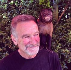 The last photo of Robin Williams . RIP