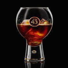 Geef je espresso een spannende twist met de Carajillo 43, ons meest geschonken drankje in Mexico. De perfecte after dinner cocktail voor koffieliefhebbers.